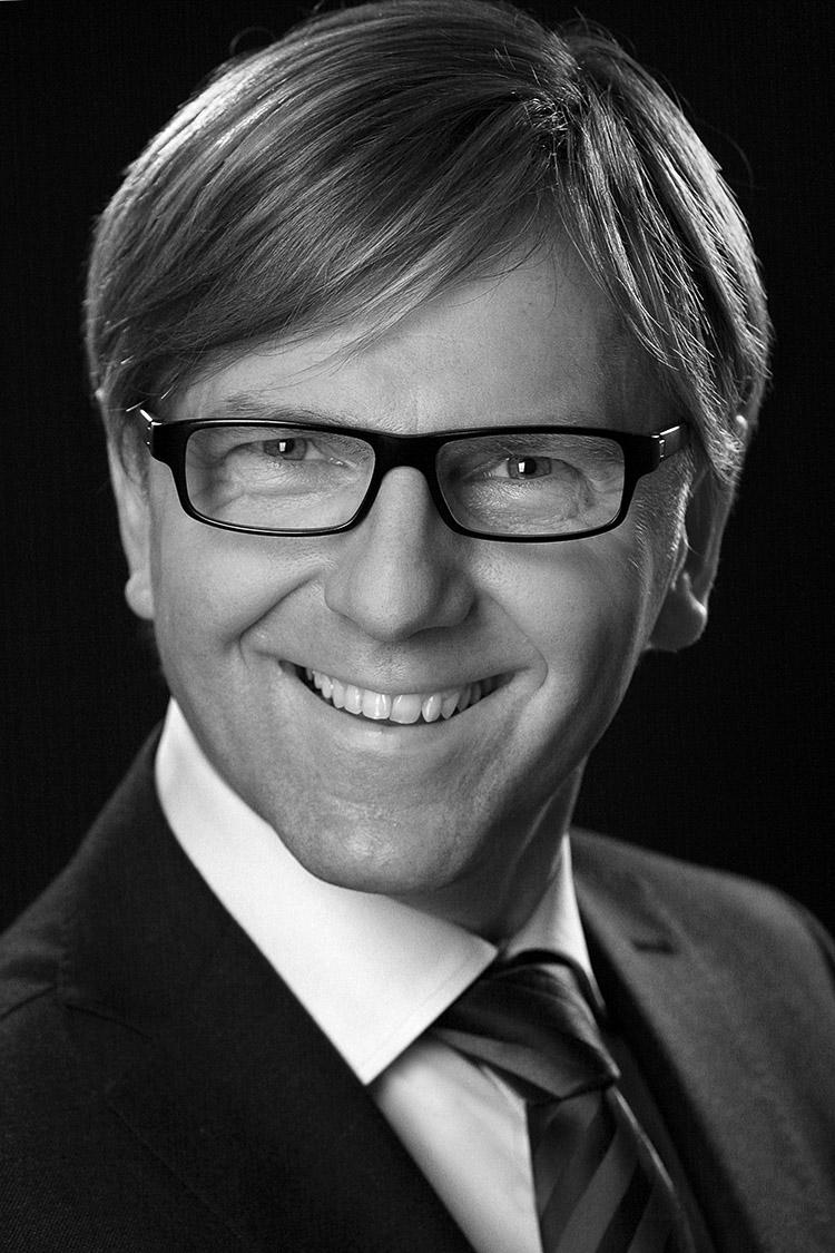 Businessfotografie einer Führungskraft in schwarzweiss